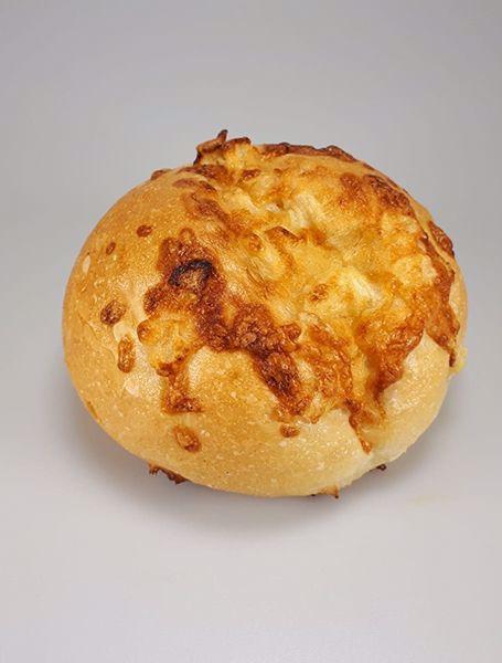 Afbeelding van Kaas-ui broodje